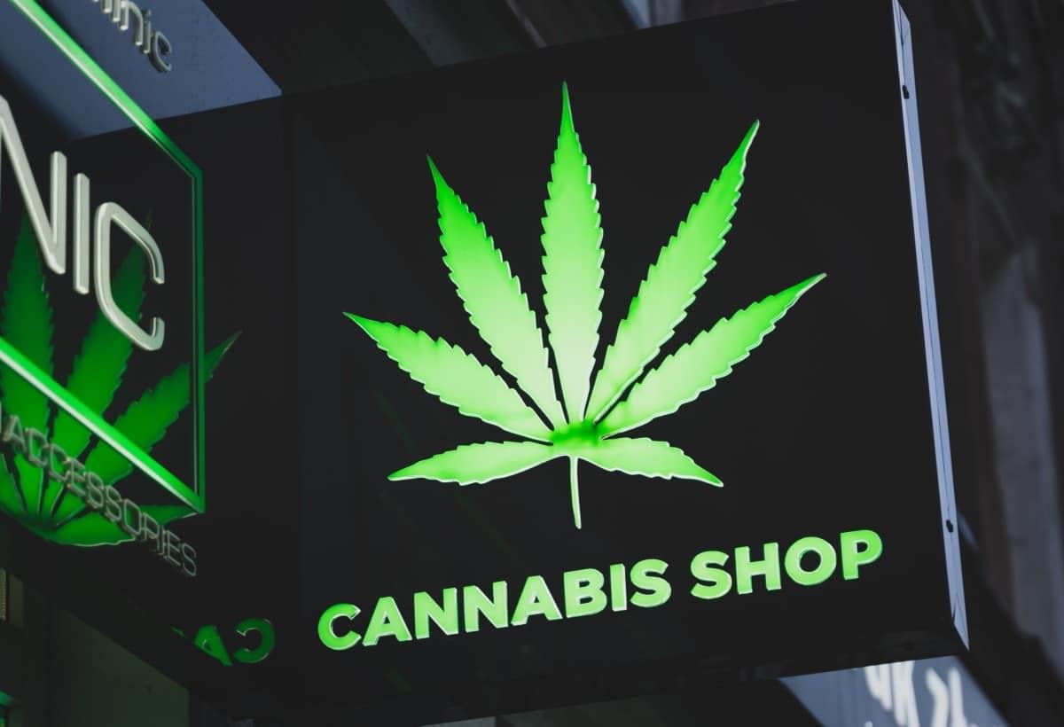 cannabis-shop-sign